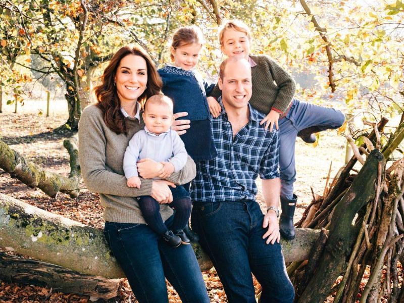 Kate e William com os filhos, Louis, Charlotte e George