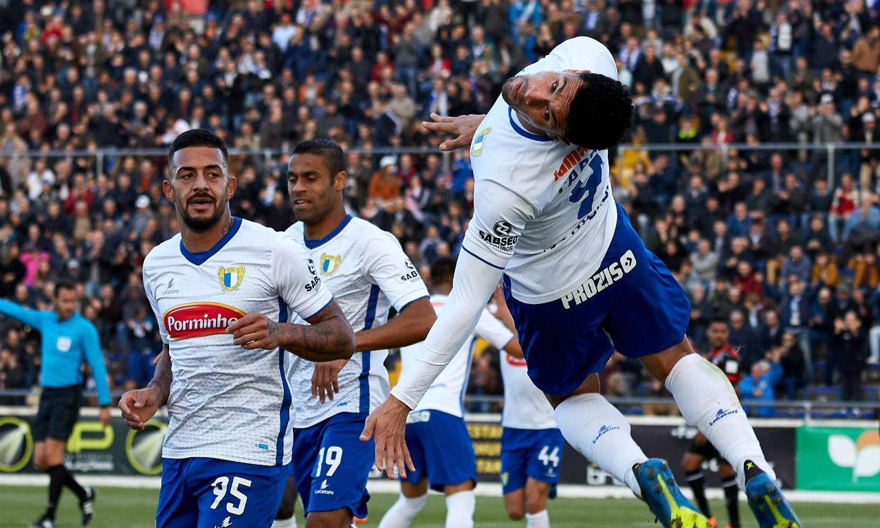 II Liga  Famalicão vence Estoril em jogo com assistência recorde ... d13937972eb37