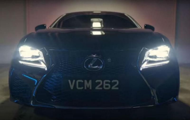 Lexus RC F (reprodução YouTube Sony Pictures Entertainment)