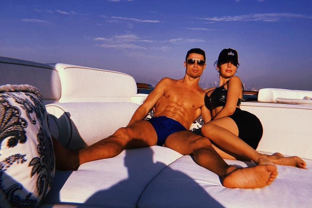 Cristiano Ronaldo e Georgina Rodríguez celebram novo ano no Dubai