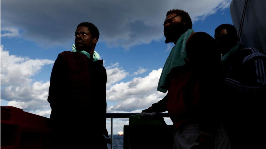 Refugiados a bordo do barco Sea-Watch 3 - Malta