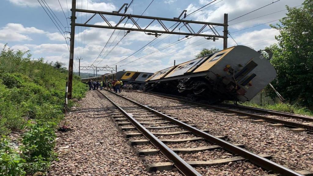 Duas composições colidiram perto da cidade de Pretória, capital da África do Sul