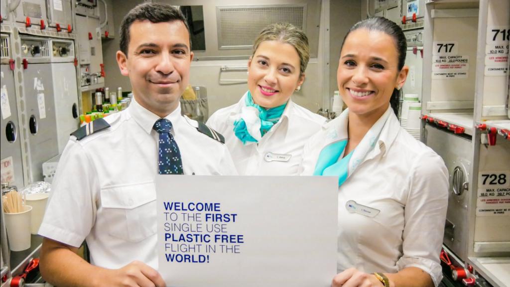 A Hi Fly espera terminar este ano com voos completamente livres de plástico