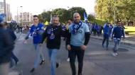 O momento em que a claque do FC Porto chega a Alvalade