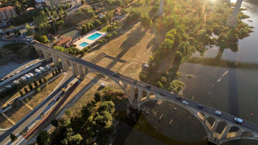 Ponte rodoviária de Peso da Régua