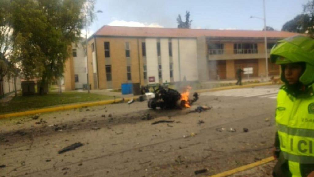 Ataque com carro-bomba em Bogotá