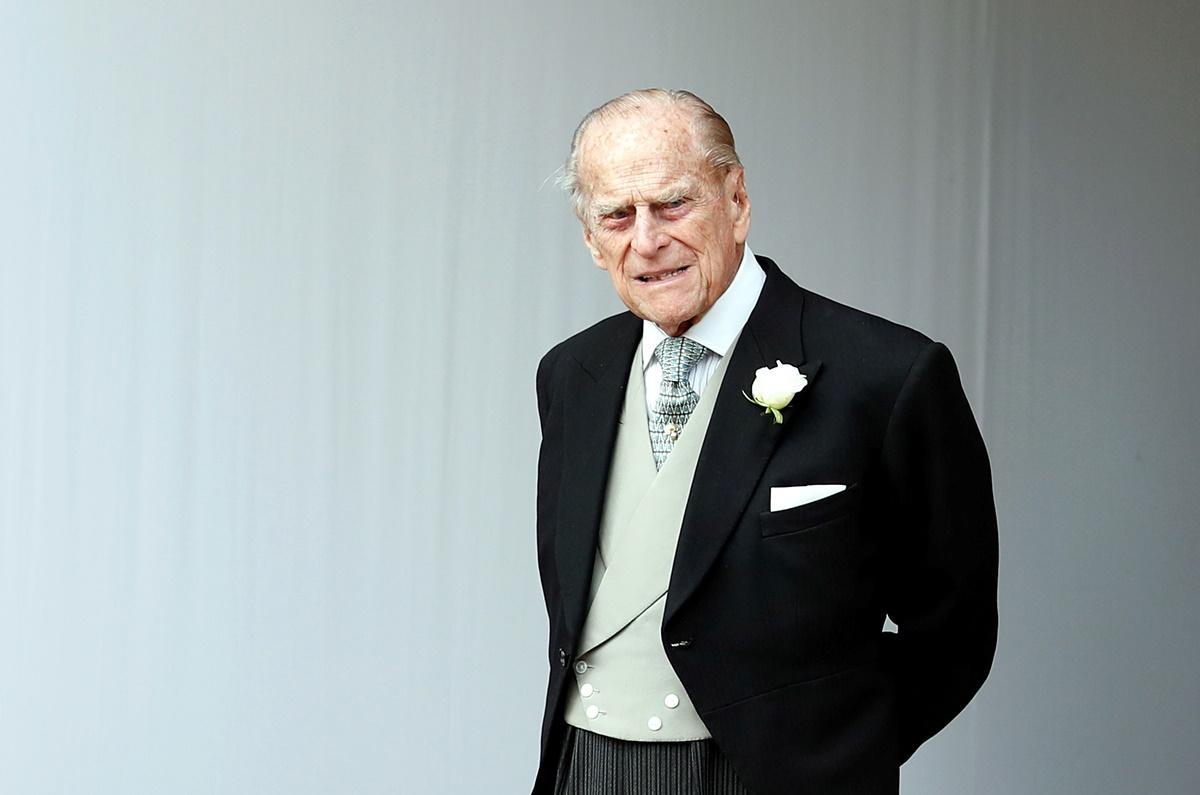 Príncipe Philip sofre acidente de automóvel