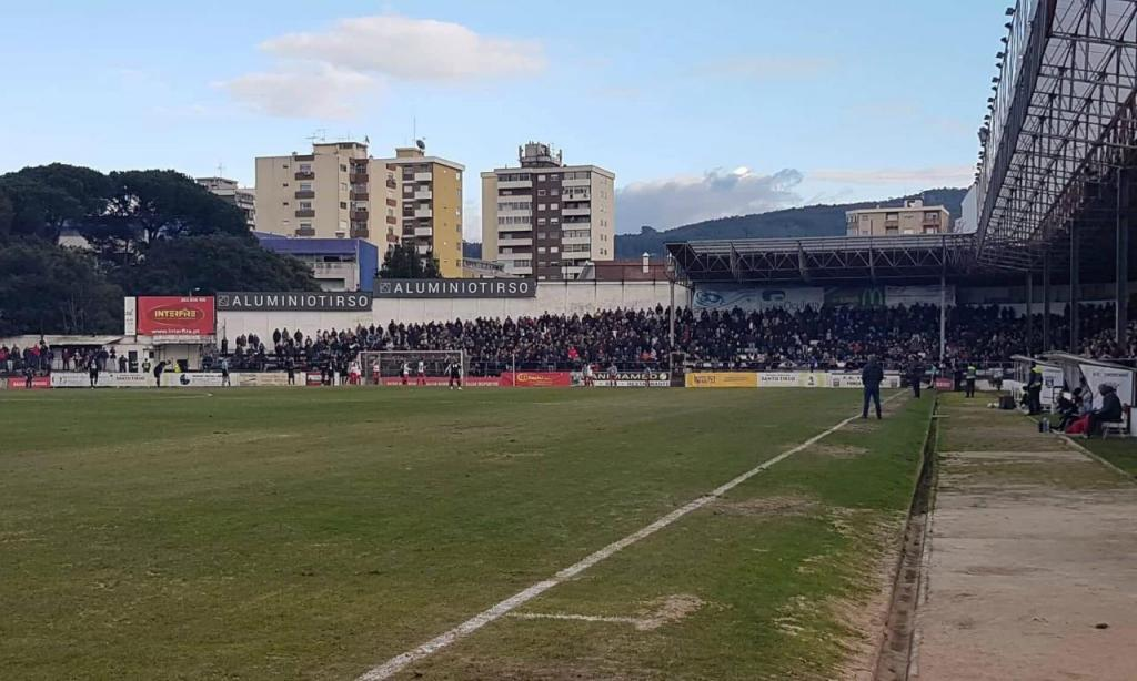 Tirsense-Lousada teve 7329 espetadores (FC Tirsense)