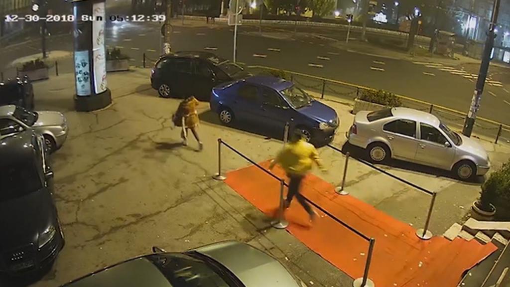 Mulher atacada à saída de discoteca