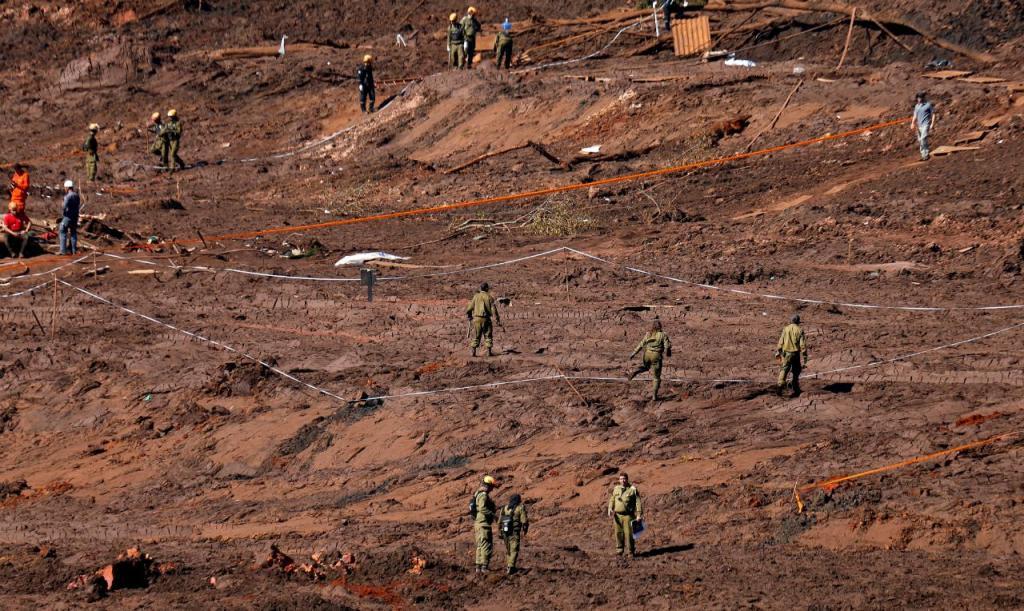 Colapso de barragem no Brasil