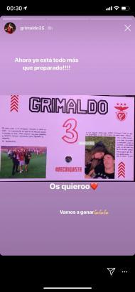 Cartazes que o Benfica encontrou no balneário de Alvalade