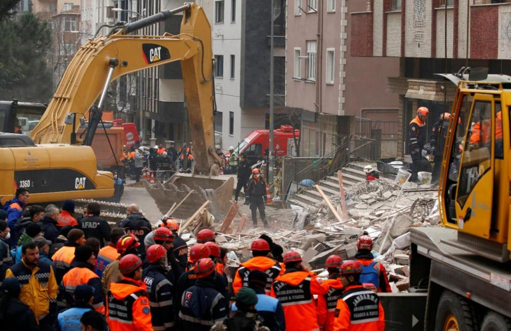 Resgate de vítimas em Istambul