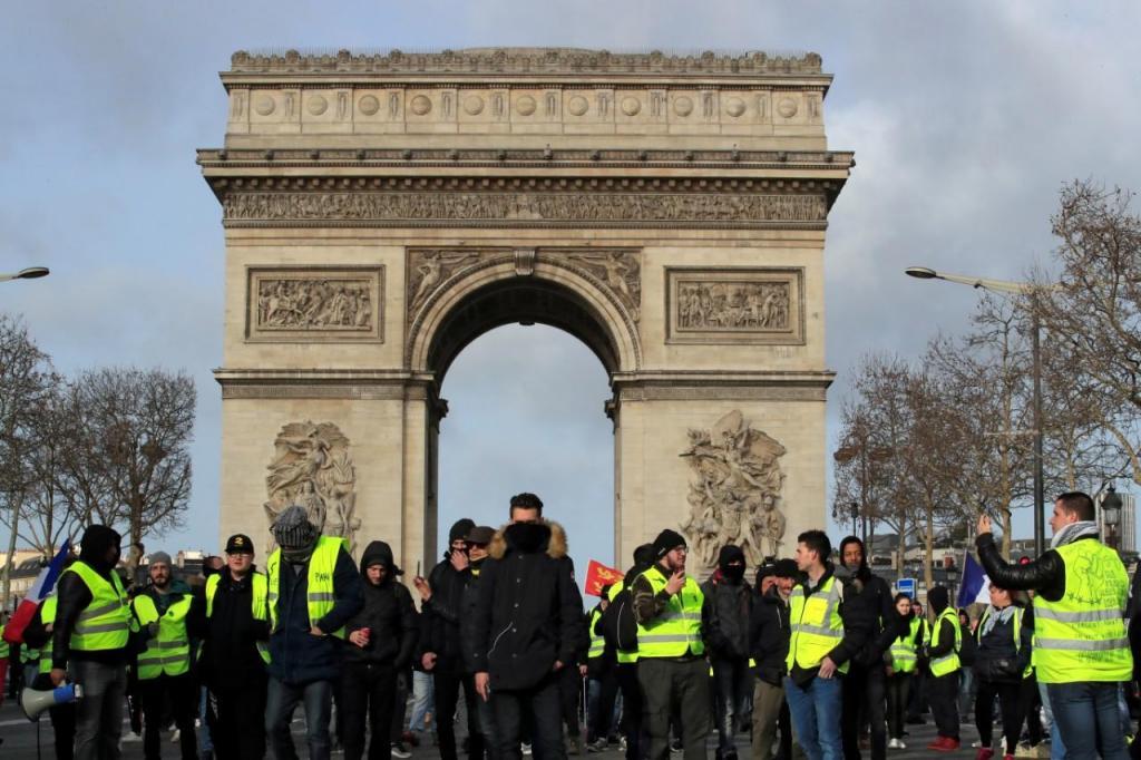 Protesto dos coletes amarelos em França