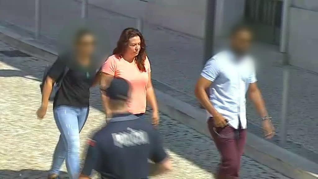 Rosa Grilo, acusada de matar o marido, triatleta, foi ouvida em tribunal