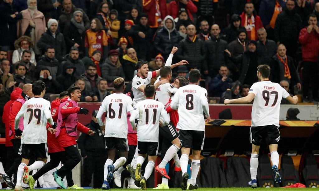 LE: Benfica vence Galatasaray em pleno Istambul