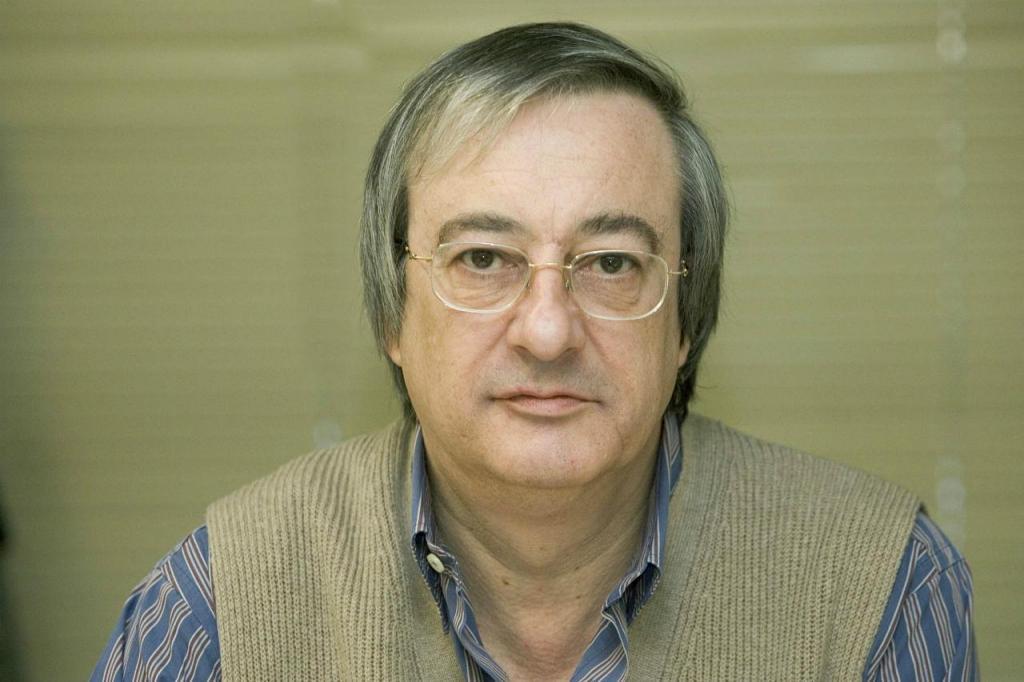 José Queirós