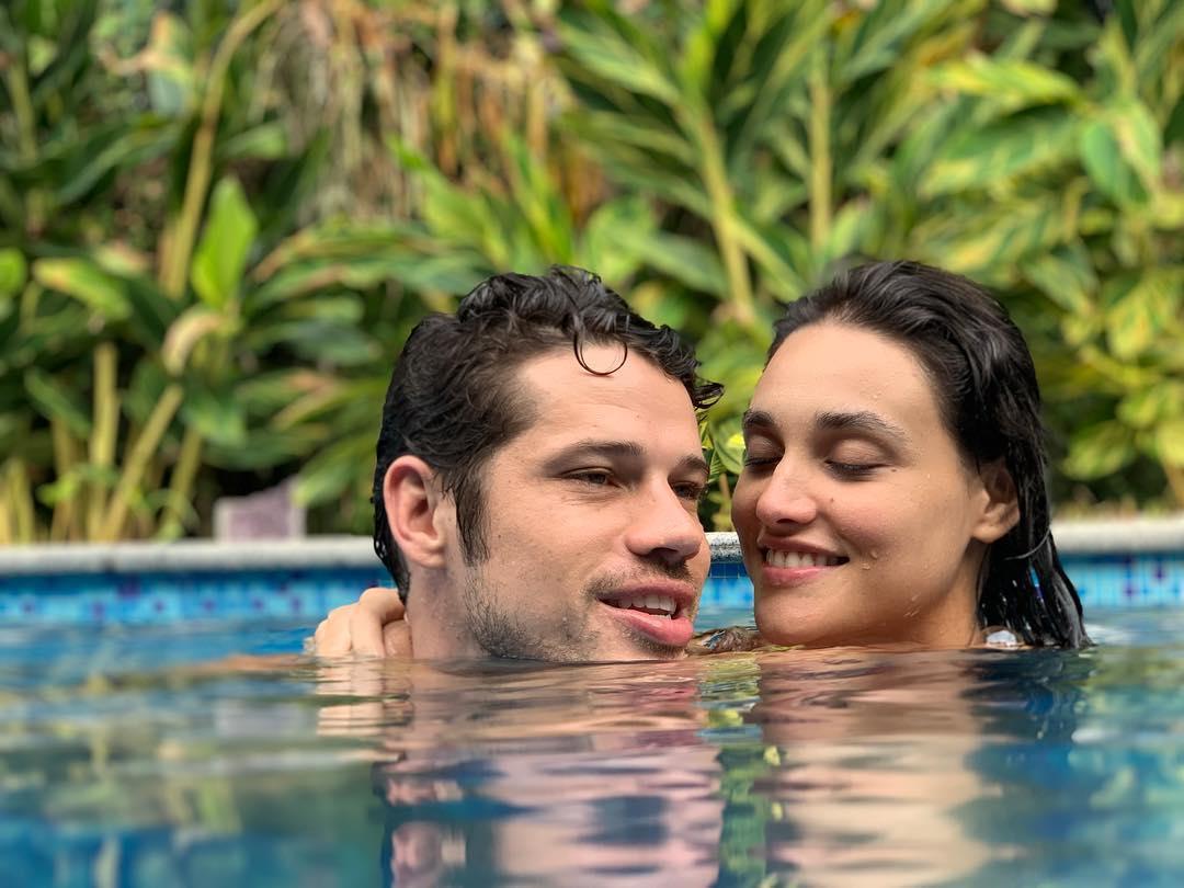 Débora Nascimento e José Loreto na Selfie