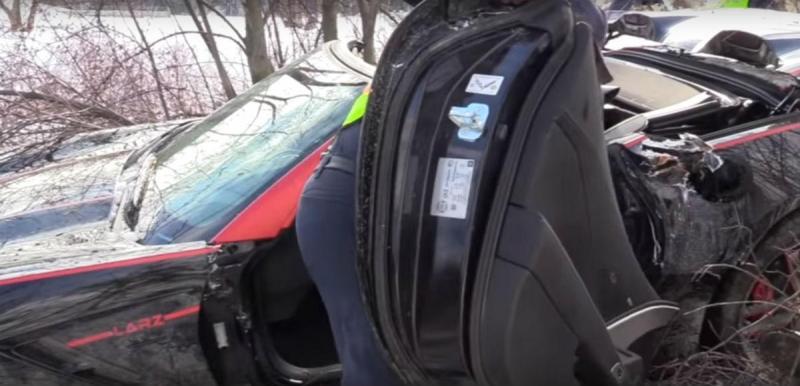 Corvette acidentado no Canadá (reprodução YouTube «Castanet news»)