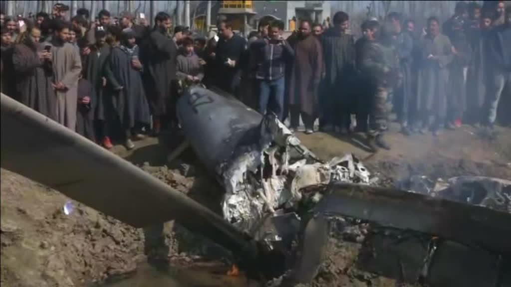 Ataques aéreos mútuos entre Índia e Paquistão