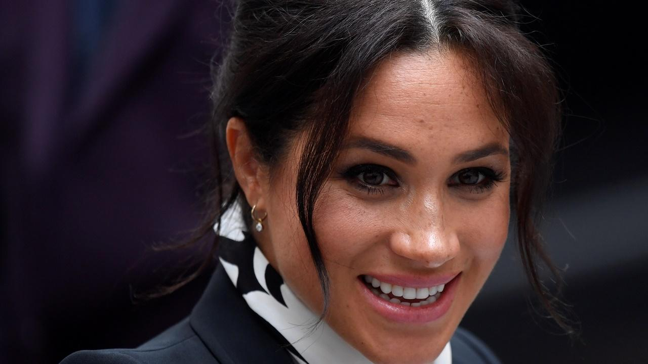 Meghan Markle gasta sete vezes mais em roupa durante a gravidez do que Kate Middleton