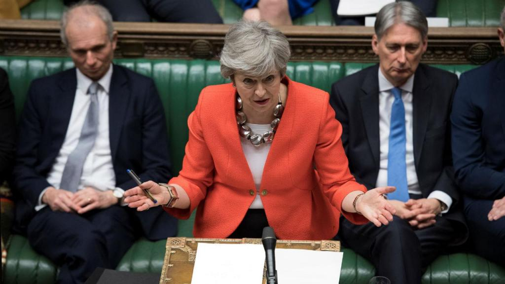 Theresa May no Casa dos Comuns durante a votação da segunda proposta do Brexit