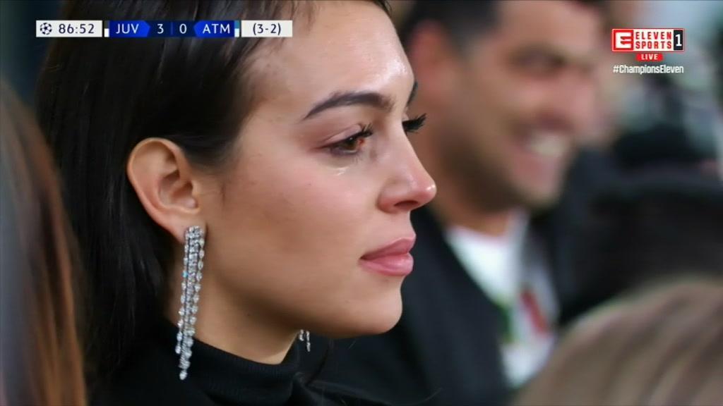 Georgina a chorar e Cristianinho eufórico celebram noite de sonho de Ronaldo