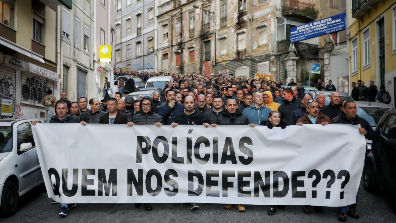 Manif de polícias: alerta de alto risco para movimento associado à extrema-direita - TVI24