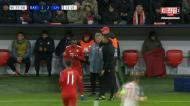 James Rodriguez chateado ao ser substituído por Renato Sanches