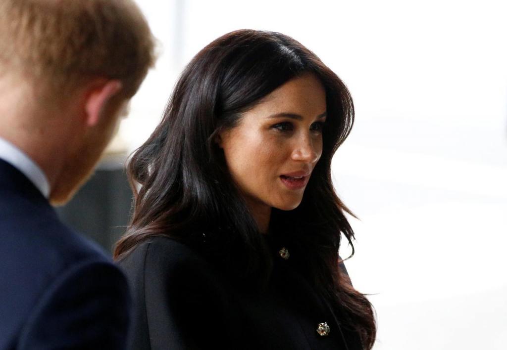 Como seria se a princesa Diana conhecesse Kate Middleton e Meghan Markle?