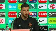 Rúben Dias: «O jogo é contra a Sérvia e não contra o Jovic»