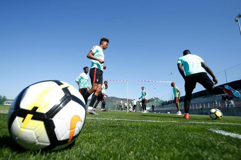 Multidão para ver Seleção Nacional de sub-20 em Lousada (FPF)