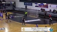António Areia (FC Porto) mostra como se marca um livre de sete metros