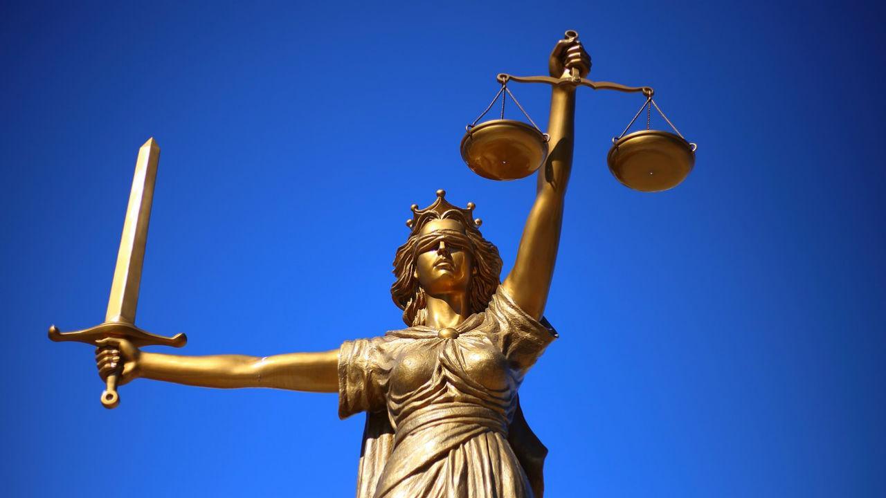 Resultado de imagem para a justiça e a legítima defesa
