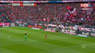 O erro incrível no Bayern-Dortmund que deu a Lewandowski o golo 200 na Bundesliga