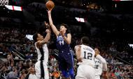 San Antonio Spurs-Dallas Mavericks