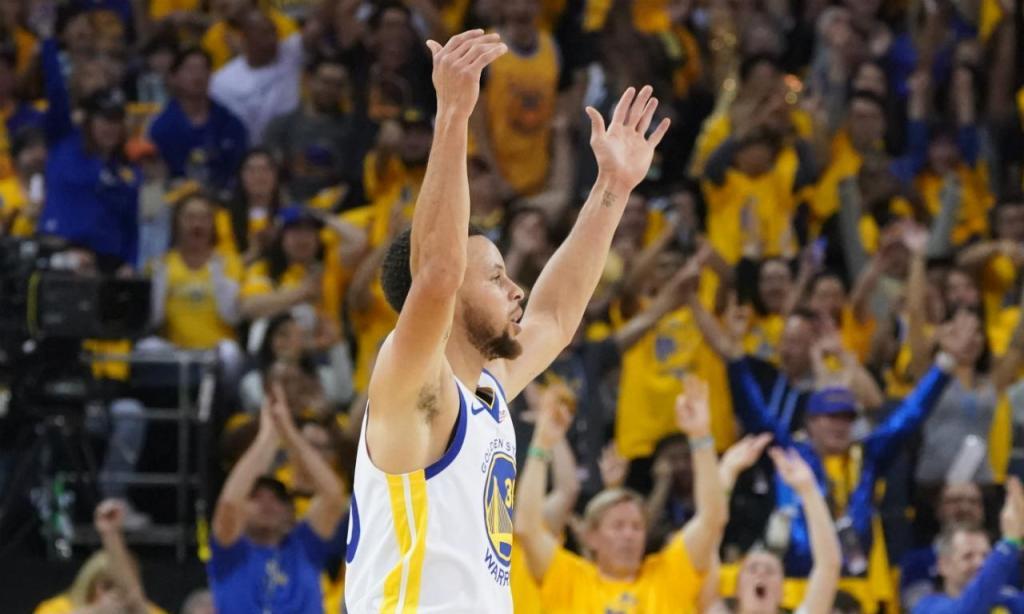 Stephen Curry (foto Kyle Terada-USA TODAY Sports)
