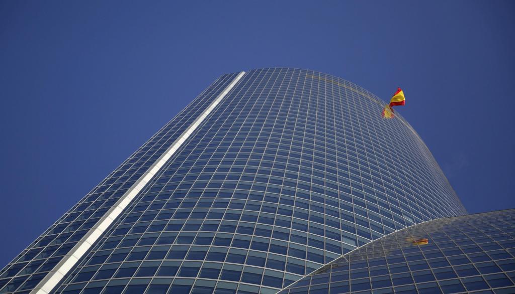 Arranha-céus Torre Espacio, em Madrid