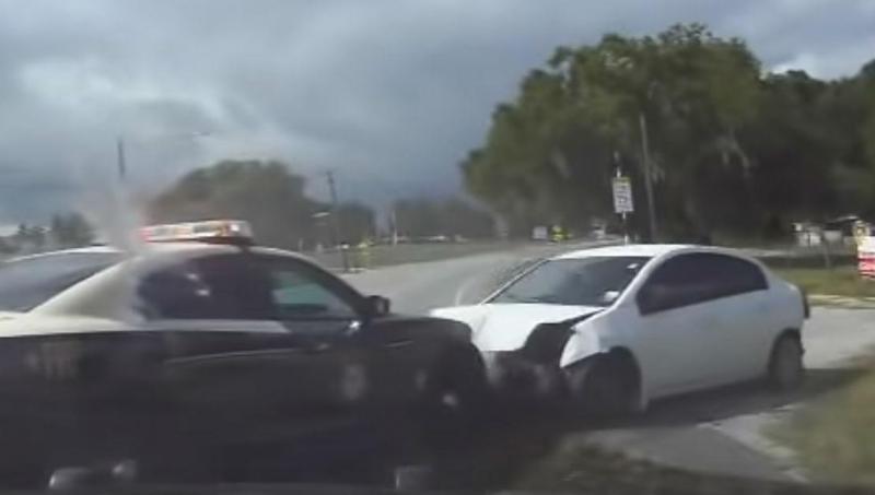 Acidente após perseguição policial (reprodução YouTube)