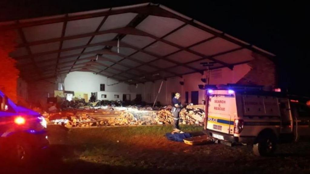 Desabamento de teto em igreja em Dlangubo, no norte de Durban, África do Sul