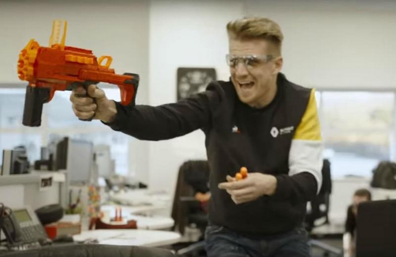 Nico Hulkenberg (reprodução YouTube Renault Sport)