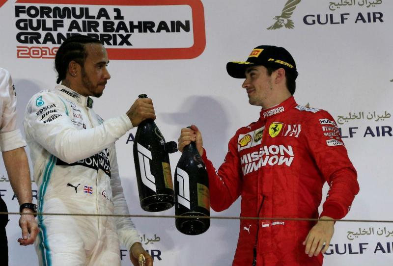 Lewis Hamilton e Charles Leclerc (Reuters)