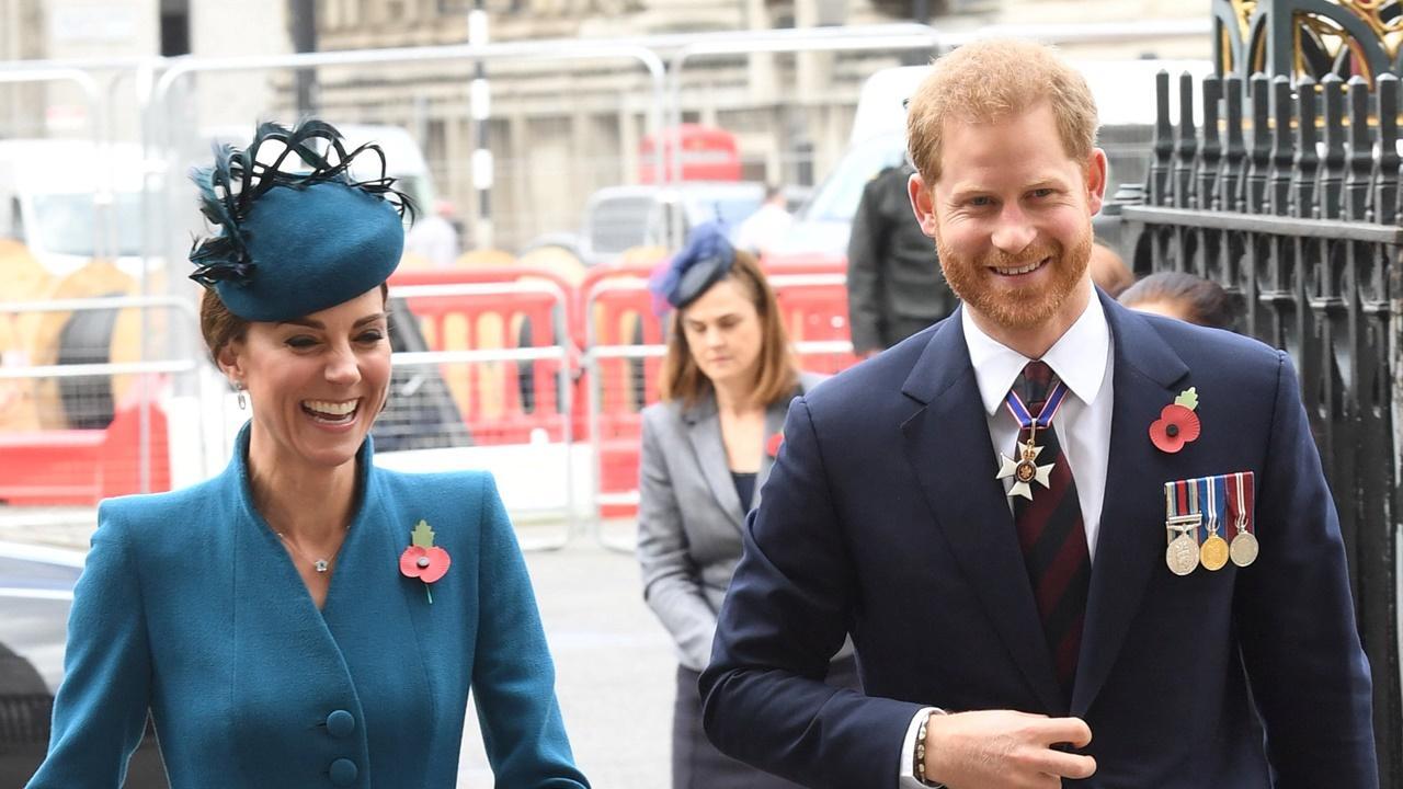 Kate Middleton e príncipe Harry juntos no Dia ANZAC