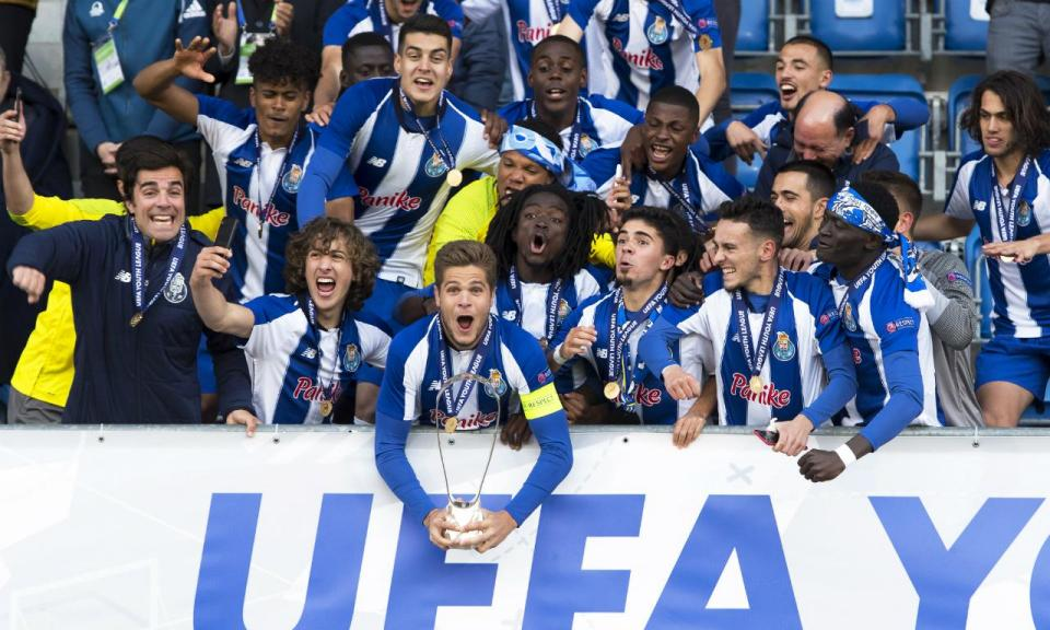 UEFA distingue FC Porto por projeto na Youth League