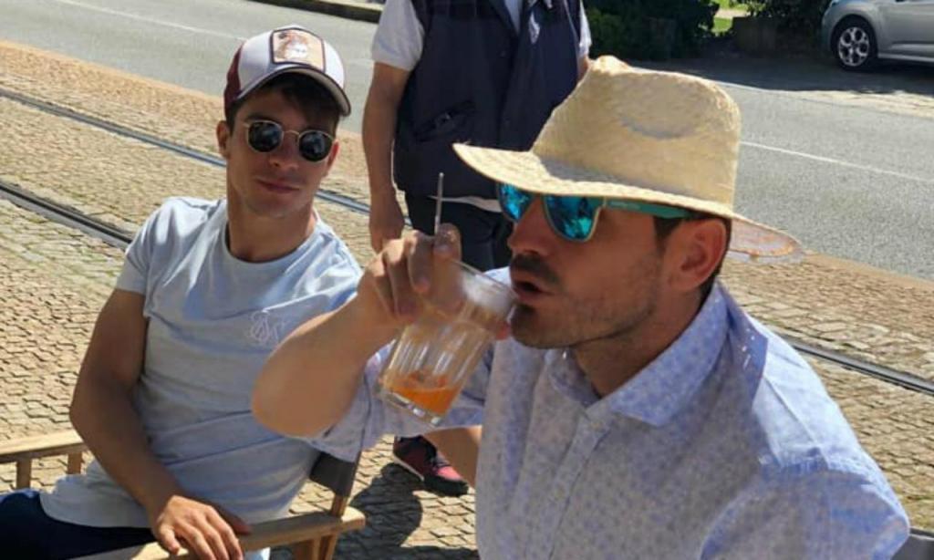 Óliver e Casillas (foto Facebook)