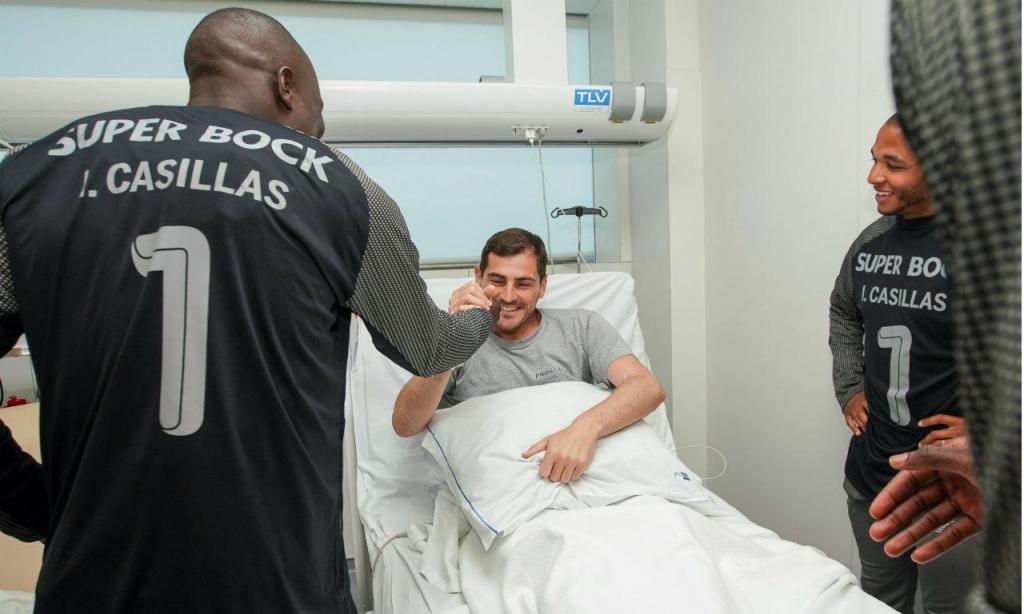 Plantel do FC Porto visita Casillas (fotos: FCP)