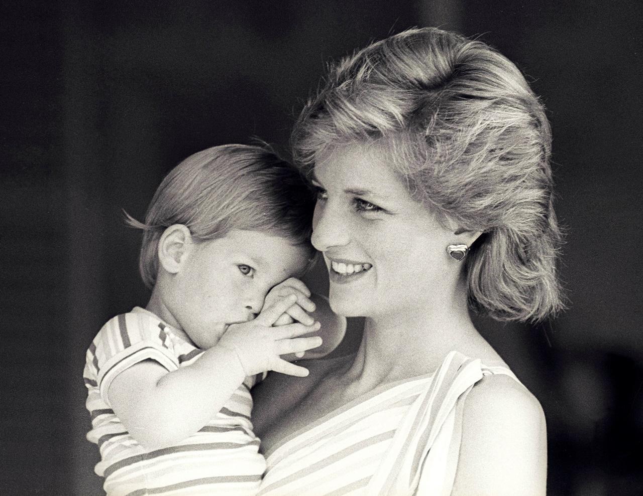 A infância do príncipe Harry