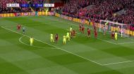 Alisson nega o golo do empate a Messi com voo espetacular