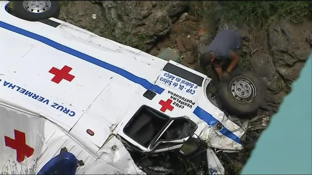 Acidente com ambulância em Moura faz dois mortos e um ferido grave