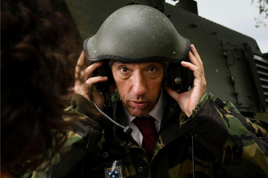 Exercício militar durante a visita do ministro João Gomes Cravinho ao Regimento de Cavalaria nº6 do Exército, Braga