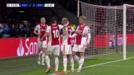 Ziyech faz o 2-0 para o Ajax